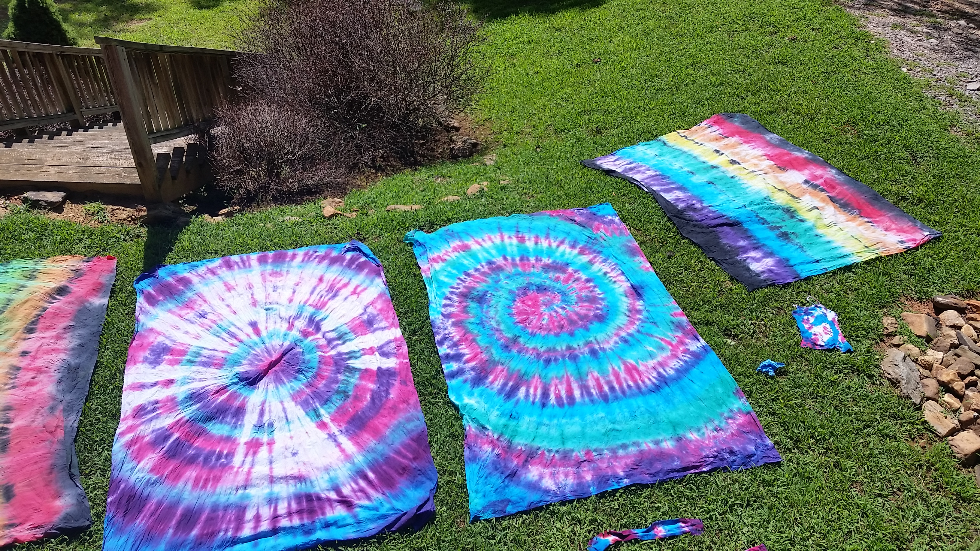 DIY Tie-Dye Tapestries by Girl Scout Troop 3013